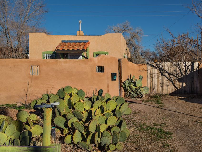 710 15th Street NW, Albuquerque, NM 87104