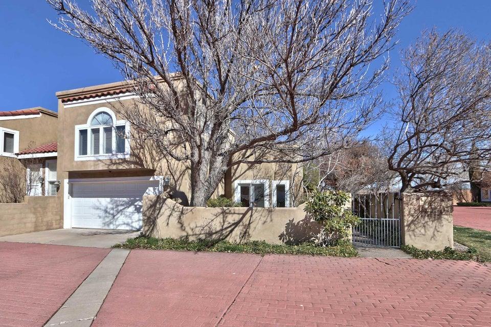 1519 Plaza Encantada NW, Albuquerque, NM 87107