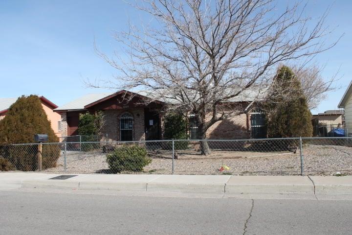 1225 Jenaro Street SW, Albuquerque, NM 87121