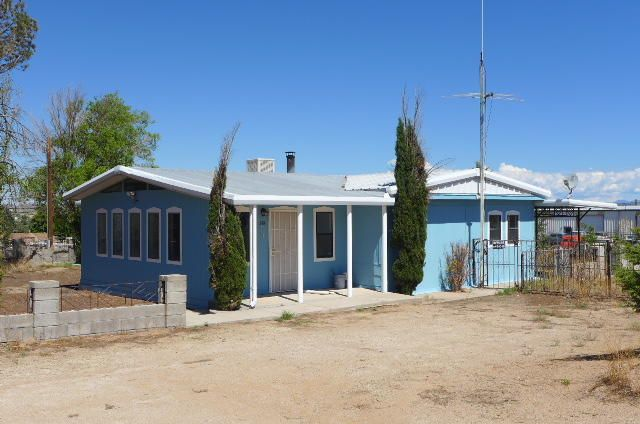 576 Eldridge Lane, Bernalillo, NM 87004