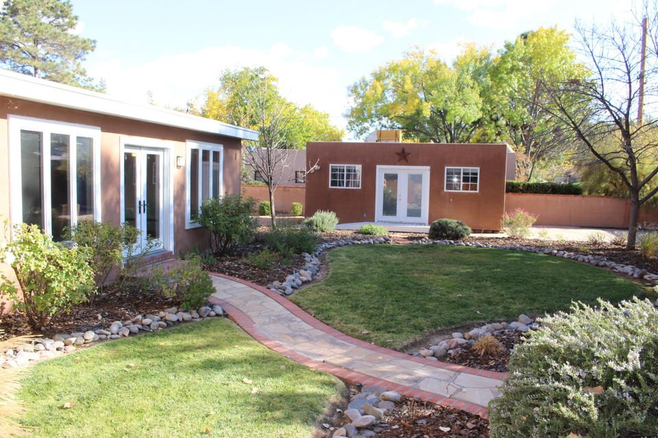 1520 San Carlos Road SW, Albuquerque, NM 87104