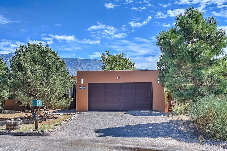 1944 Quail Run Loop NE, Albuquerque, NM 87122