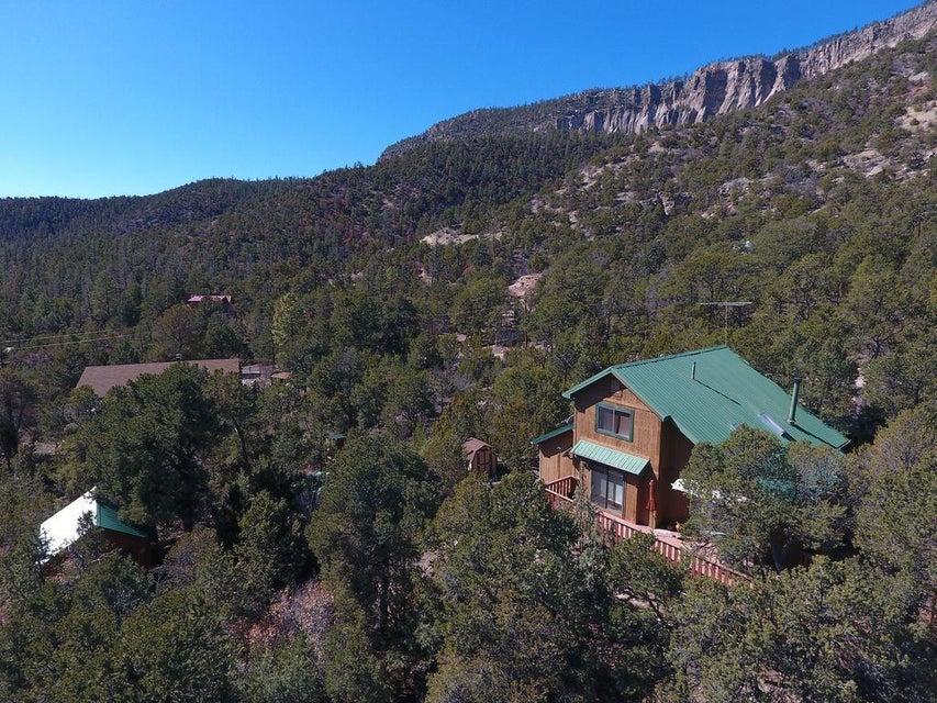 697 Redondo Road, Jemez Springs, NM 87025