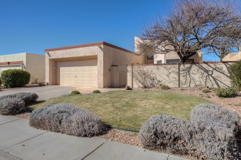 6927 Borg Road NE, Albuquerque, NM 87111