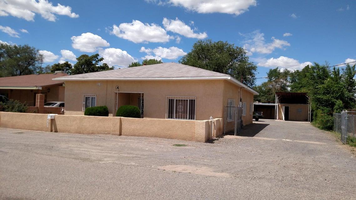1405 Neetsie Drive SW, Albuquerque, NM 87105