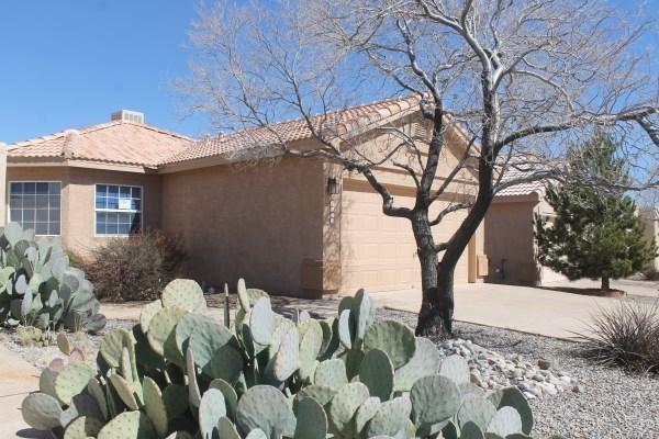 7423 Via Tranquilo SW, Albuquerque, NM 87121