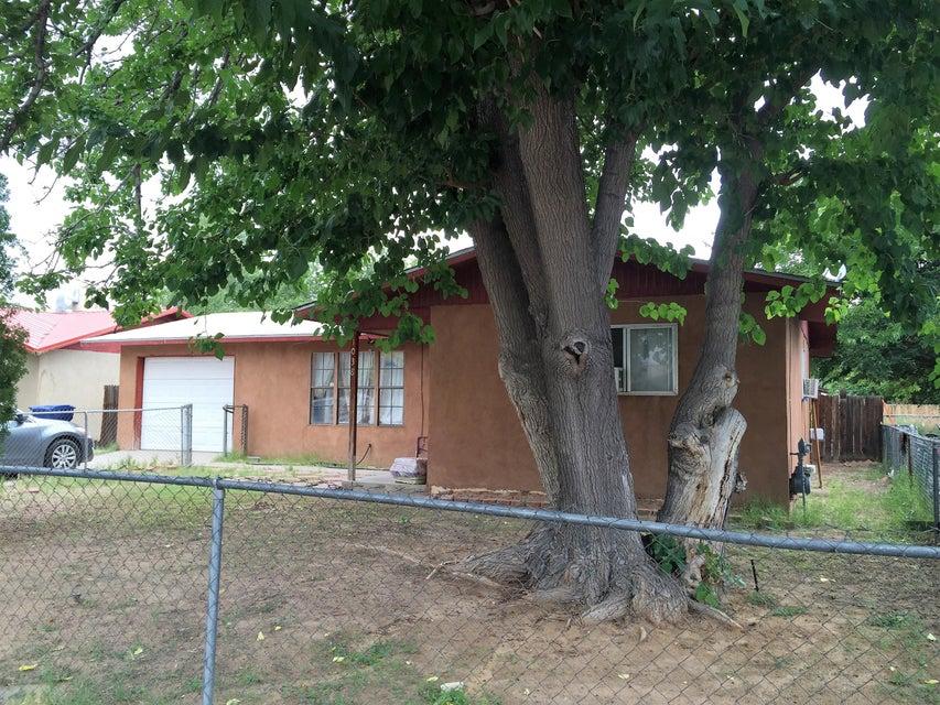 1038 Vasquez Court SE, Los Lunas, NM 87031