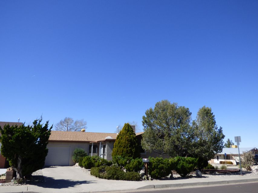 637 TURNER Drive NE, Albuquerque, NM 87123