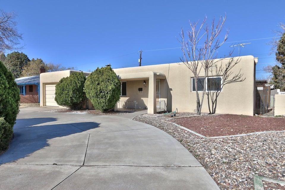 227 Chula Vista Place NE, Albuquerque, NM 87108
