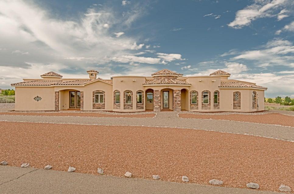 201 Desert Luna Road, Corrales, NM 87048