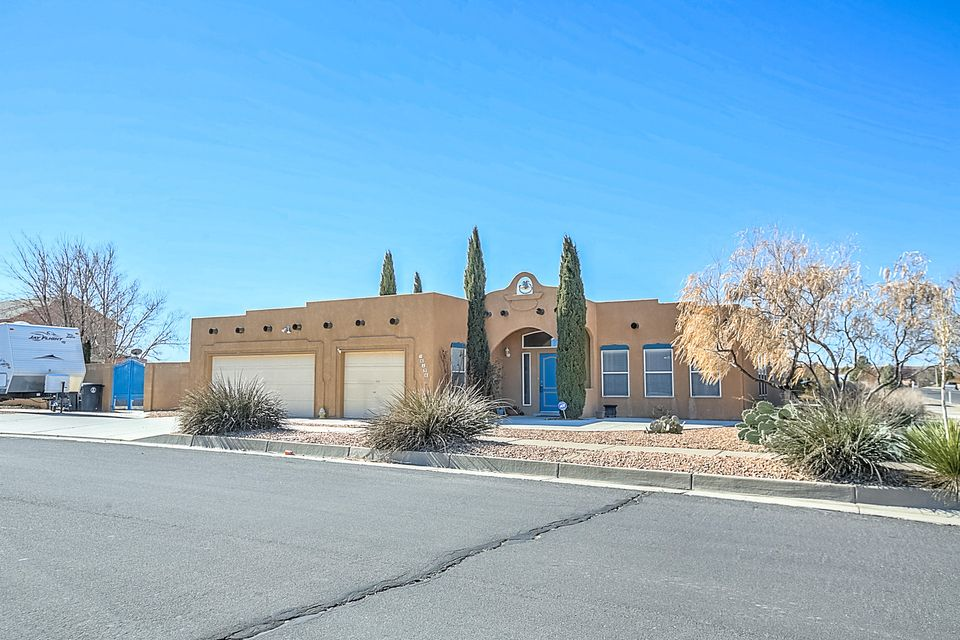 6136 Acacia Street NW, Albuquerque, NM 87120