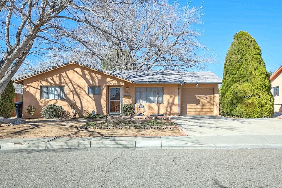 9605 Mcknight Avenue NE, Albuquerque, NM 87112