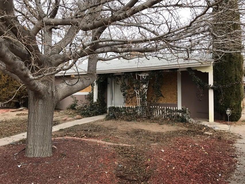 2904 Garcia Street NE, Albuquerque, NM 87112