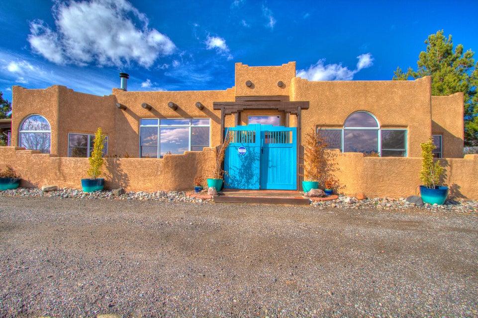 925 Saratoga Drive NE, Rio Rancho, NM 87144