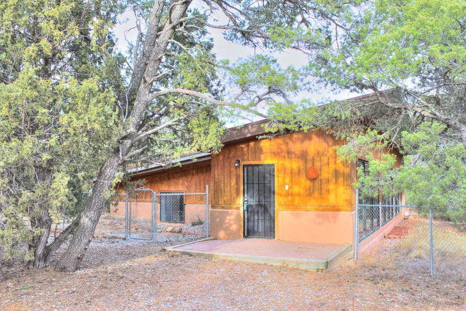 86 Abby Road, Tijeras, NM 87059