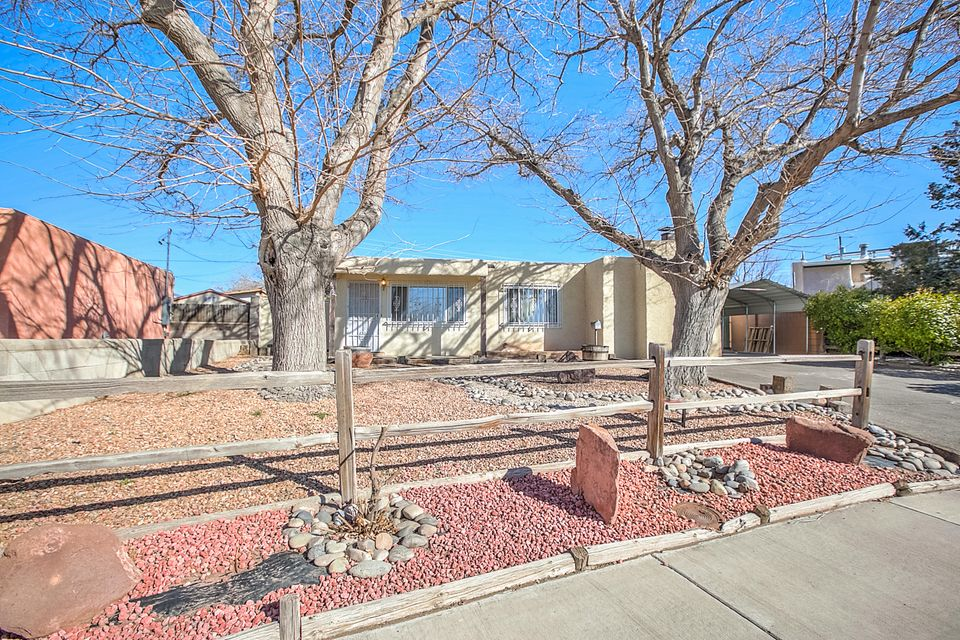622 Utah Place SE, Albuquerque, NM 87108