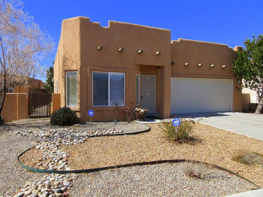 7631 Calle Comodo NE, Albuquerque, NM 87113