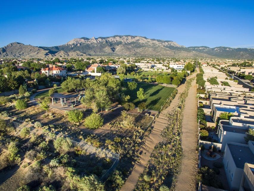 8709 Desert Fox Way NE, Albuquerque, NM 87122