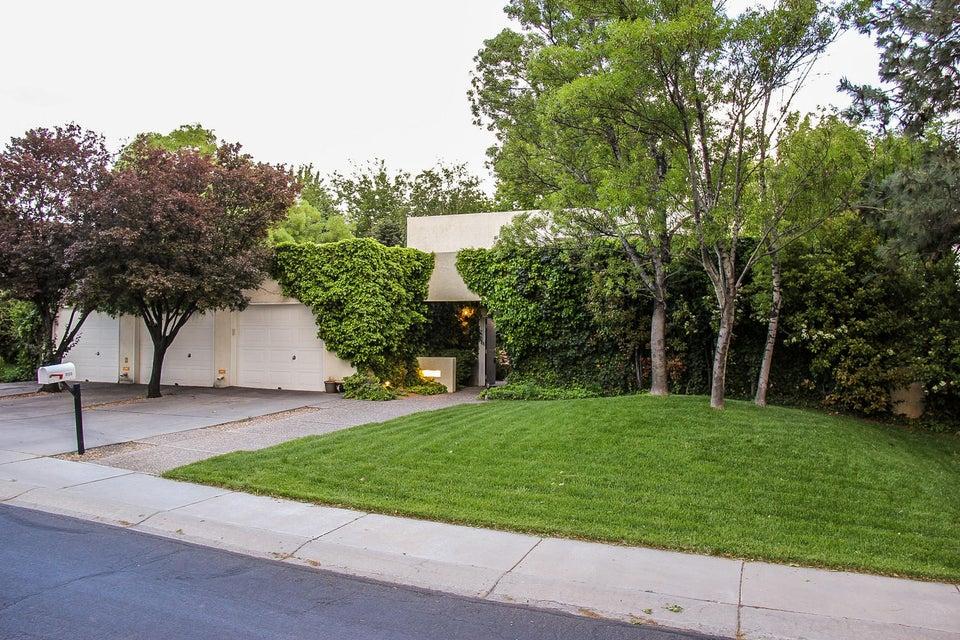 9506 Augusta NE, Albuquerque, NM 87111
