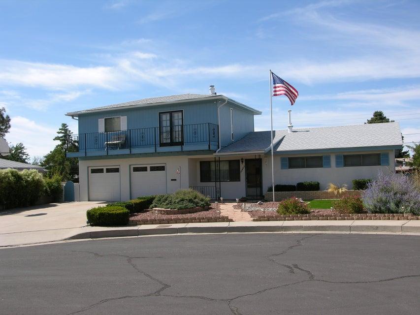 10405 Stovall Court NE, Albuquerque, NM 87112