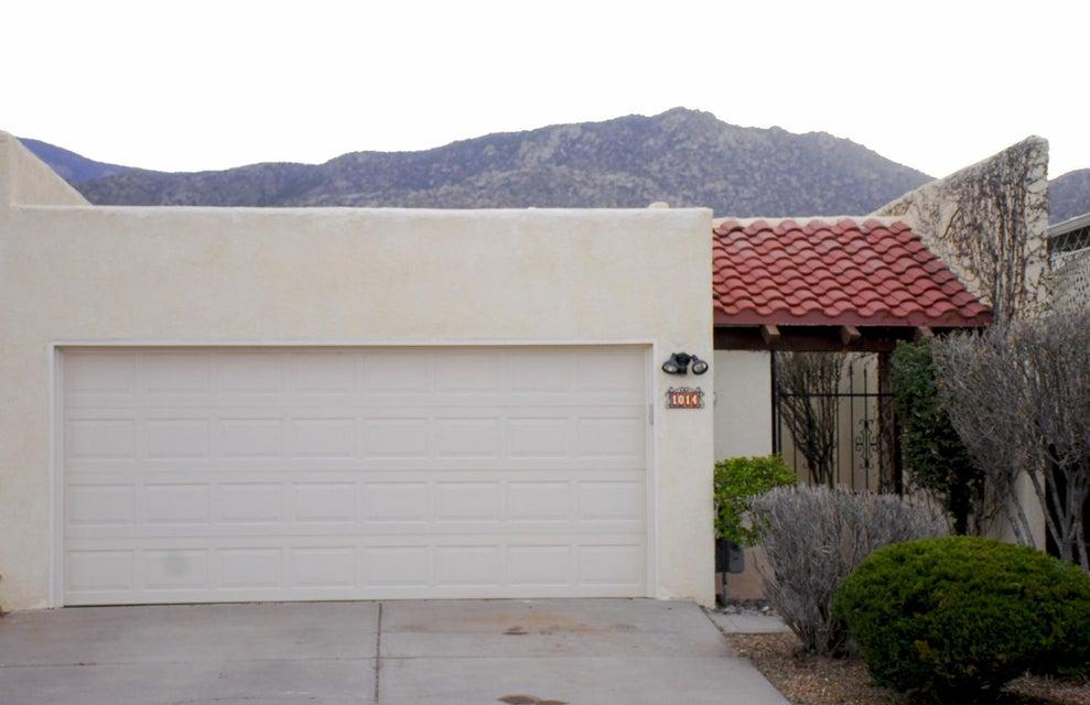 1014 Omaha Street NE, Albuquerque, NM 87112