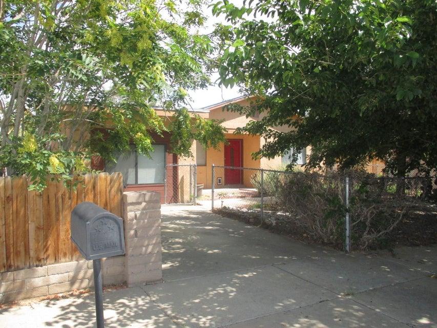 9309 Jenny Avenue SW, Albuquerque, NM 87121