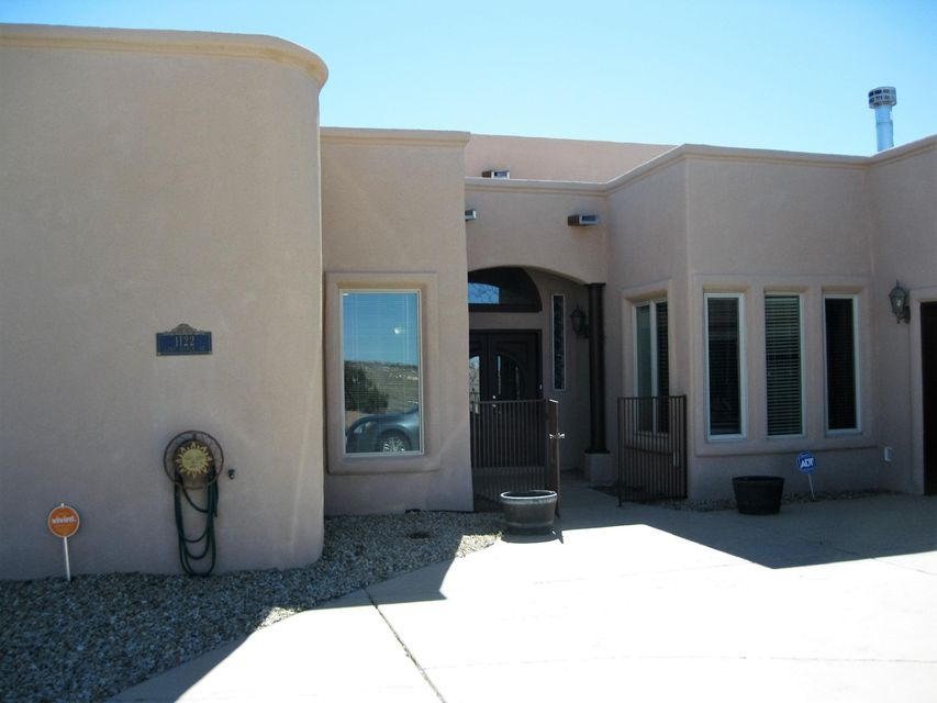 1122 22nd Avenue SE, Rio Rancho, NM 87124