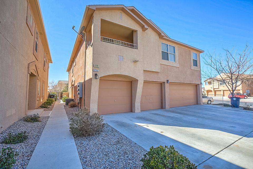 5748 Valle Alegre Place NW # 1, Albuquerque, NM 87120