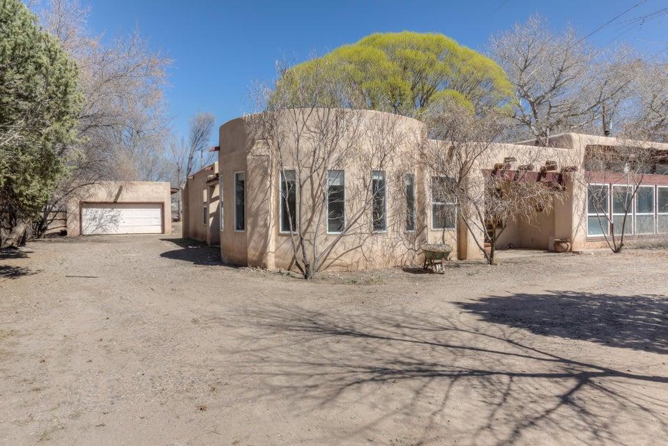12 Old Oak Lane, Los Lunas, NM 87031