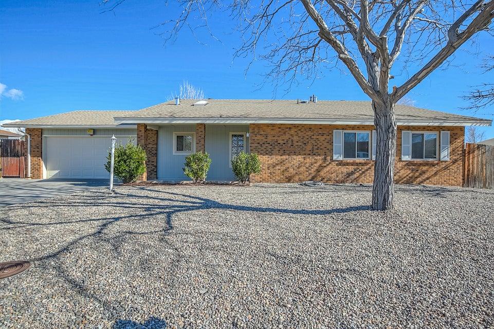 300 Colorado Mountain Road NE, Rio Rancho, NM 87124