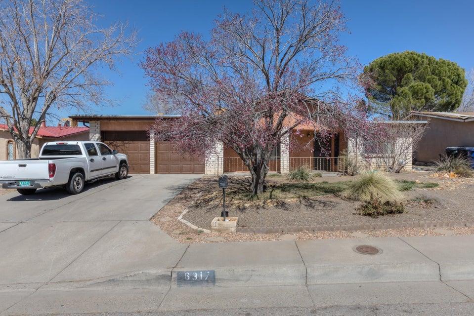 6317 Esther Avenue NE, Albuquerque, NM 87109