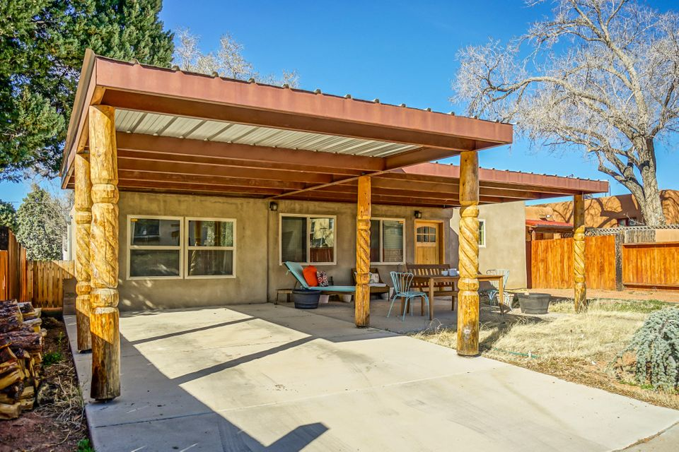 2737 Hyder Avenue SE, Albuquerque, NM 87106