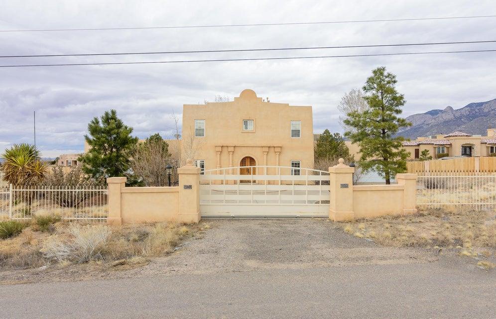 11101 Santa Monica Drive NE, Albuquerque, NM 87122