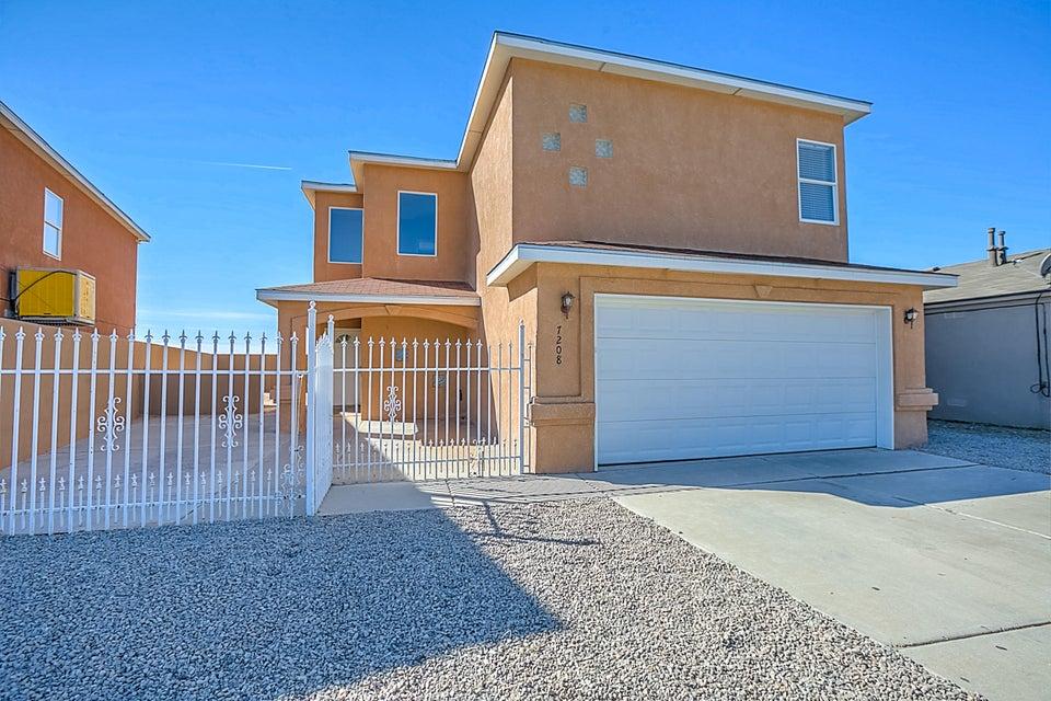 7208 Luna Azul Avenue SW, Albuquerque, NM 87121