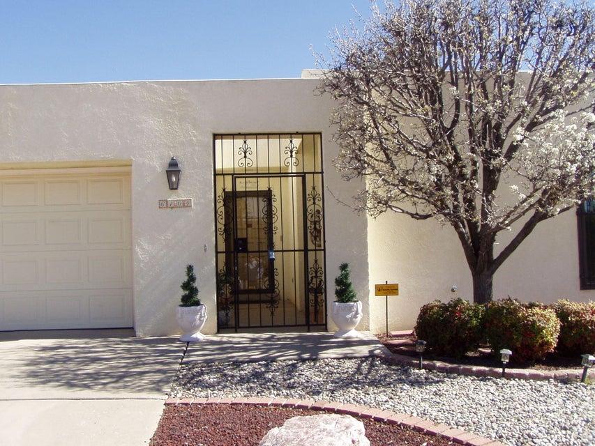 6104 Rio Hondo Drive NE, Albuquerque, NM 87109