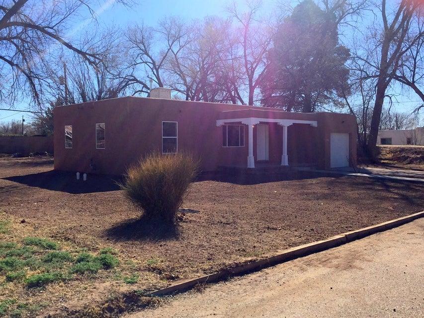 1716 Neat Lane SW, Albuquerque, NM 87105