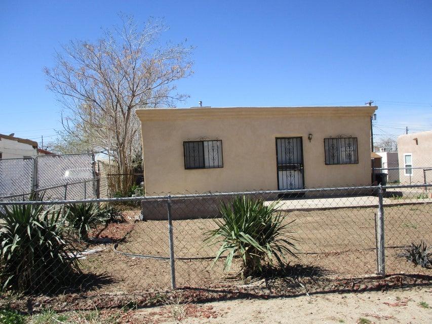 2005 Walter Street SE, Albuquerque, NM 87102