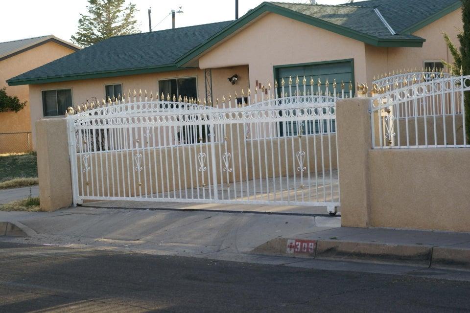309 Mankin Street NE, Albuquerque, NM 87123