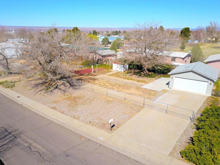 6701 Jade Park Avenue NE, Albuquerque, NM 87109