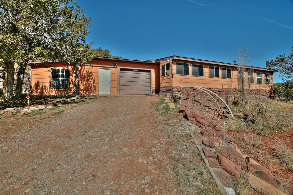 17 Jon Kitsch Road, Tijeras, NM 87059