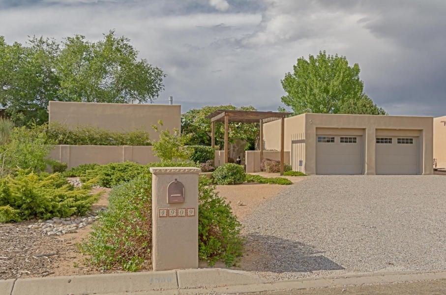 4909 Paseo Del Rey NW, Albuquerque, NM 87120