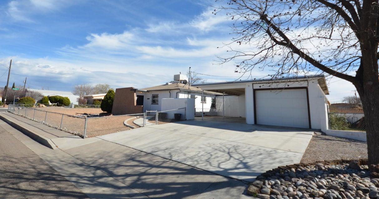 1841 Madeira Drive NE, Albuquerque, NM 87110