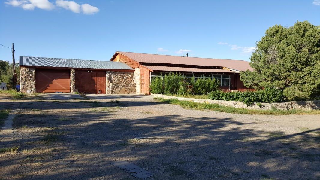 1067 NM-96, Regina, NM 87046