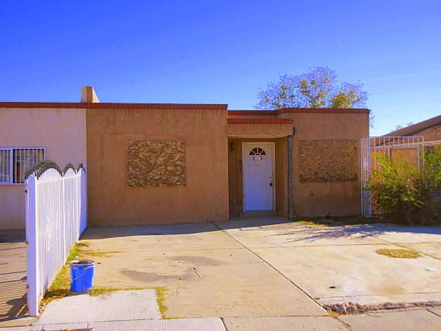 504 Adrian Street SW, Albuquerque, NM 87121