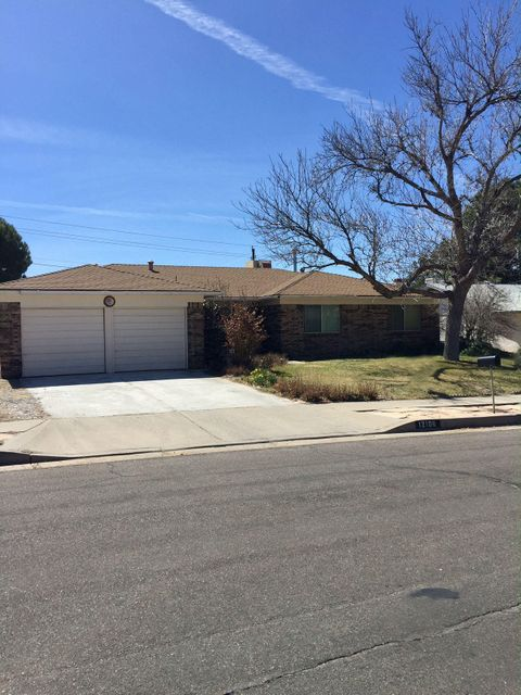 12108 Palm Springs Avenue NE, Albuquerque, NM 87111