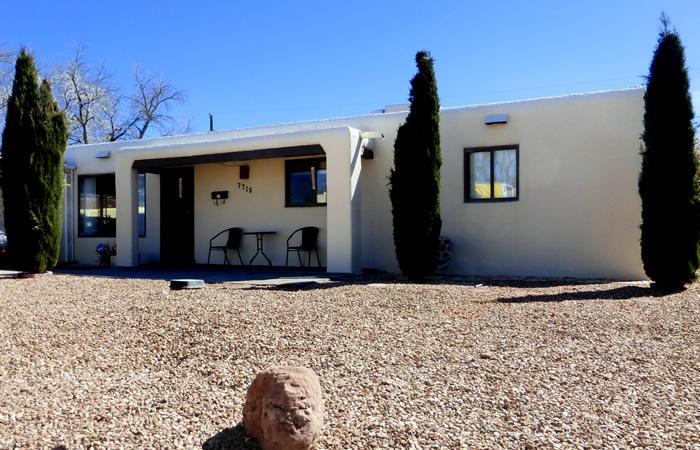 7710 Robin Avenue, Albuquerque, NM 87110