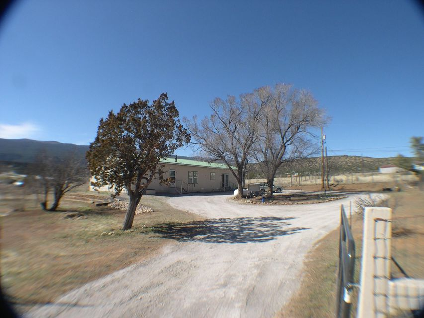 4 Vicente Lane, Tijeras, NM 87059