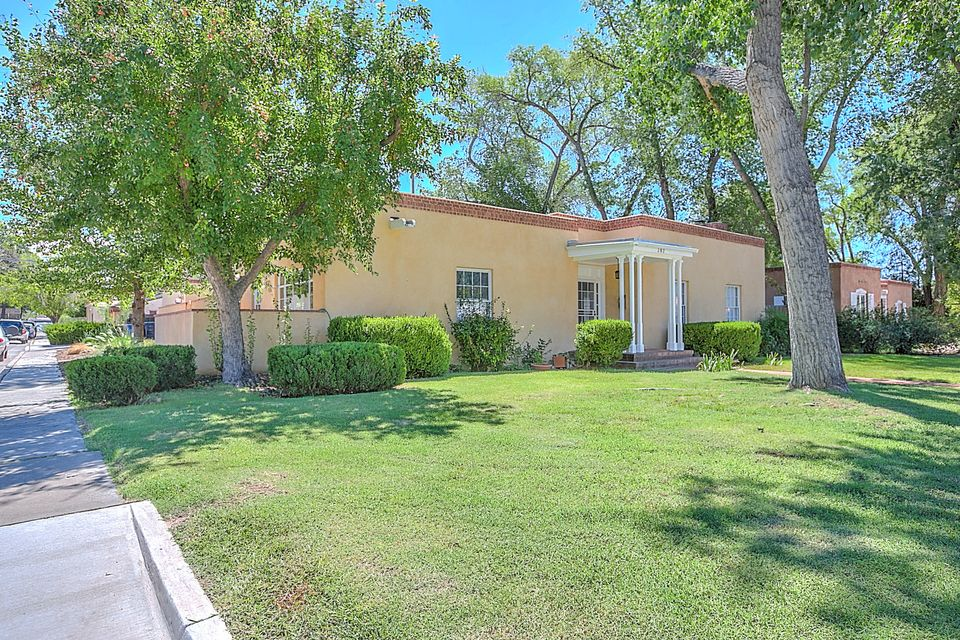 302 15th Street SW, Albuquerque, NM 87104