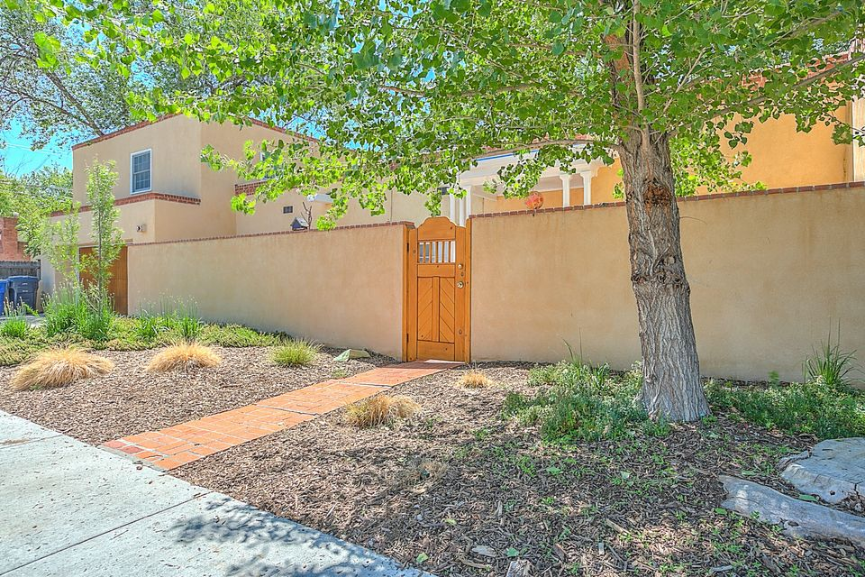 302 15th Street SW, Albuquerque, NM 87104