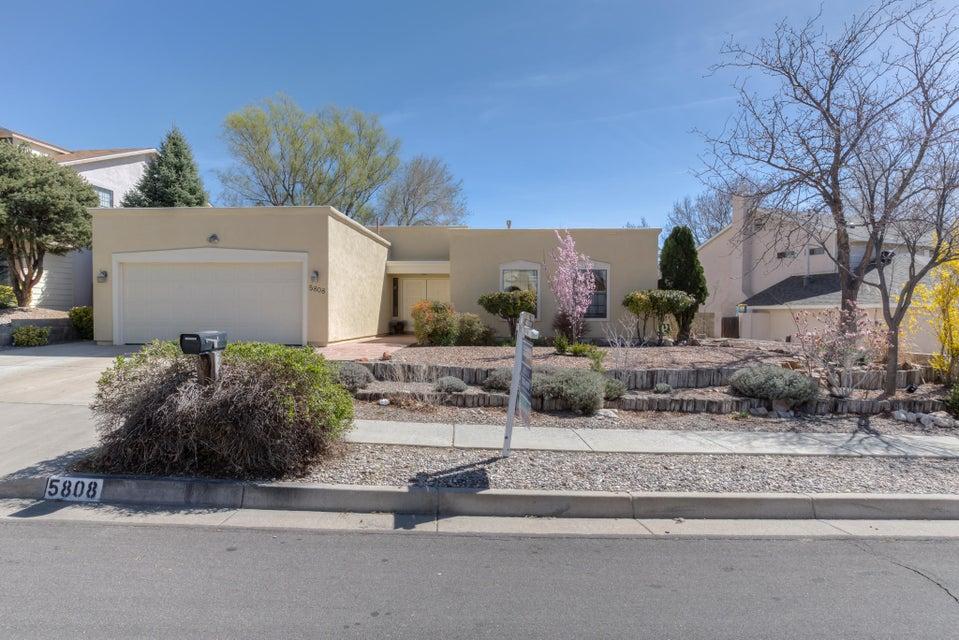 5808 Lost Dutchman Avenue NE, Albuquerque, NM 87111